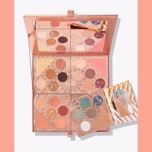 Tarte's gift & glam collector's set